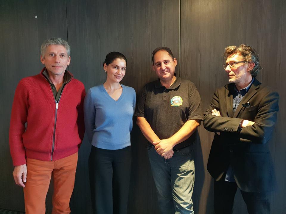Laetitia Casta, Jacques Gamblin, Stéphane Hénon, Catherine Marchal et Ella Foy lundi 14 janvier dans Chut on écoute la télé!